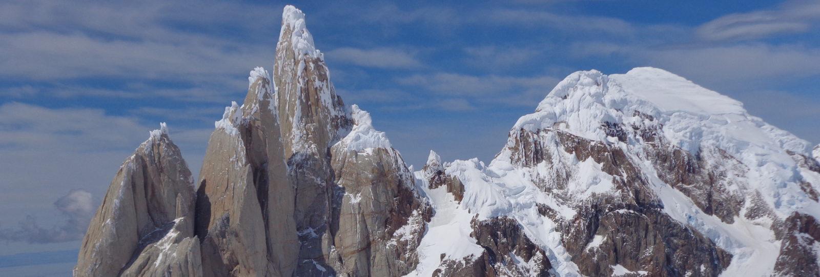 Cerro torre e sorelle dalla vetta del Cerro Rincon. 2013. (f. Thomas Franchini)