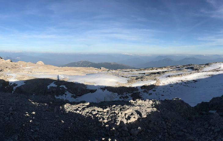 L'altopiano che costituisce la vetta della cima Tosa